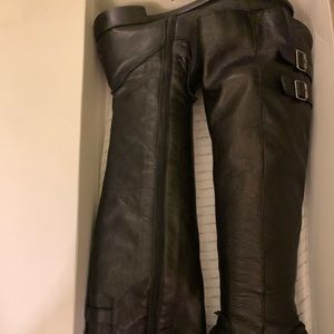 Long knee boots